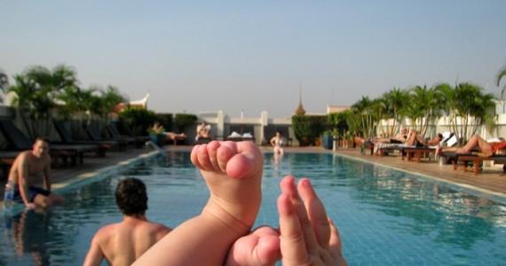 Полугодовалый ребенок в Бангкоке чем заняться.
