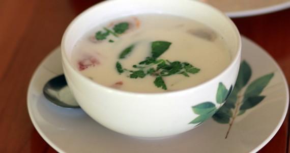 Суп с курицей на основе кокосового молока из Тайланда пошаговый рецепт